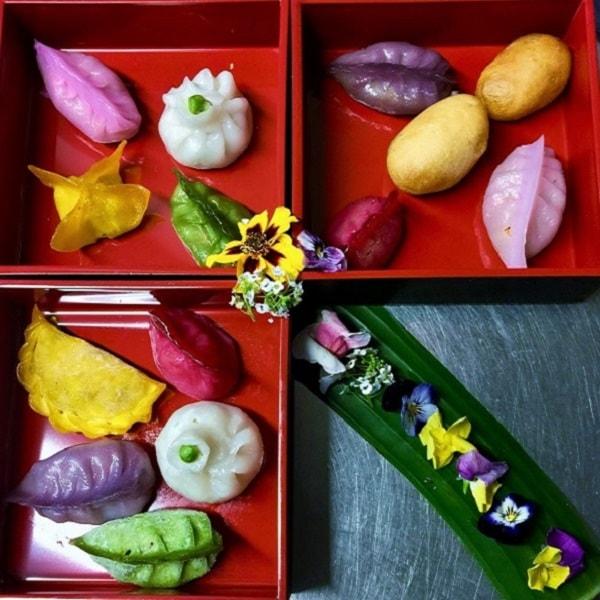 Eine unserer Spezialitäten: Bunte Hakao Dumplings